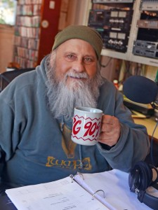 Steve Hirshon with WMPG Mug